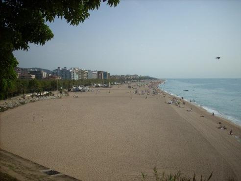 Бесконечные пляжи вдоль Средиземного моря